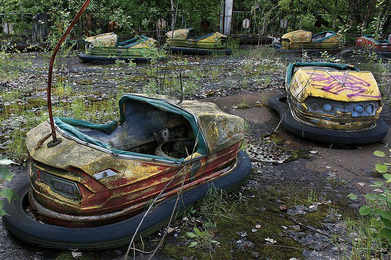 File:Pripyat - Chernobyl Amusement Park Karts.jpg