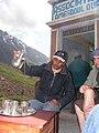 Prise de thé dans les montagnes du Maroc.jpg