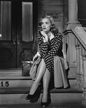 Lizabeth Scott - Lizabeth Scott in The Strange Love of Martha Ivers