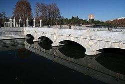 Puente del Rey - Madrid.JPG