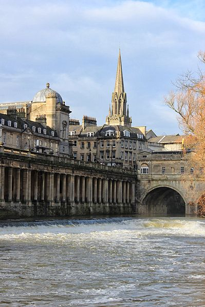 File:Pulteney Bridge vertical.JPG