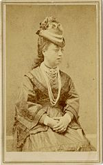 Queen Emma wearing Niihau lei (studio portrait).jpg