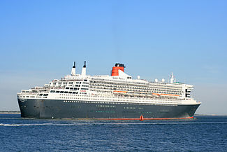 Queen Mary 2 outbound from Southampton 2 Sept 2013.jpg
