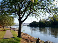 Quincy (Illinois) riverfront 2002.jpg