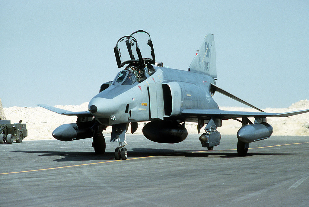 File:RF-4C Phantom II of the 117th Tactical Reconnaissance Wing ...