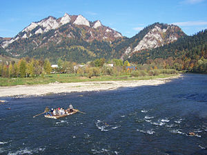 Pieniny - Image: Rafting on the Dunajec River