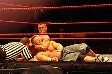 http://upload.wikimedia.org/wikipedia/commons/thumb/5/5d/RandyOrton-chokehold.jpg/225px-RandyOrton-chokehold.jpg