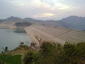 Majha - Image: Ranjit Sagar Dam 1