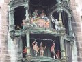 File:Rathaus-Glockenspiel (München) (1).ogv