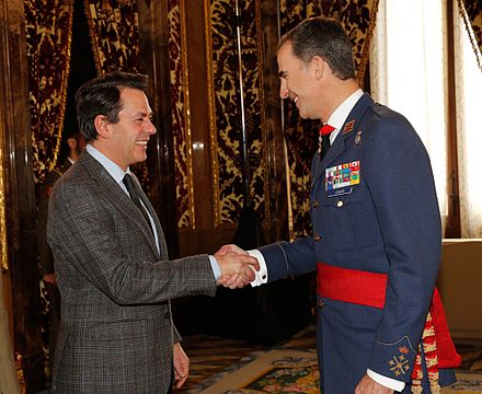 Reception of the H.M. the King of Spain to Augusto Ferrer-Dalmau for his artistic career. Royal Palace of Madrid, 2015. Recepcion Rey Felipe VI.jpg