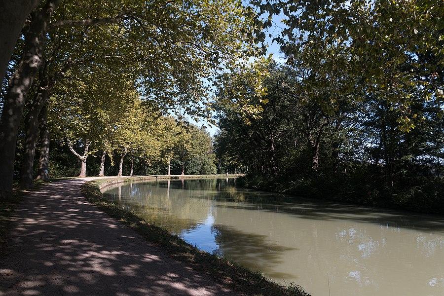 Canal du Midi  in Renneville, Haute-Garonne, France
