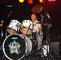 Rick Buckler performing in 2006 at the Islington Academy.