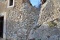 Rocce e mura al Castello di Calatubo.jpg