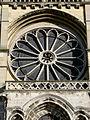 Rose façade Basilique Saint-Remi Reims 130208.jpg