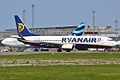 Ryanair, EI-EKC, Boeing 737-8AS (16269132608).jpg