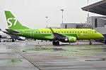 S7 Airlines, VQ-BYR, Embraer 170-100SU (37008676023) (2).jpg