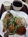 SZ 深圳 Shenzhen 福田 Futian 福民路 Fumin Road fast food restaurant food 鯪魚 fish 芽菜 vegetable 獅子球 meat ball June 2017 Lnv2 01.jpg