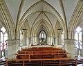 Saarbrücken-Burbach, St. Eligius (Innenansicht, Blick zum Altar) (7).jpg
