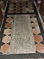 Saint-Léonard-des-Bois (Sarthe) église, pierre tombale 01.jpg