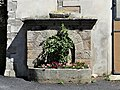 Saint-Laurent-de-Lévézou fontaine décorative.jpg