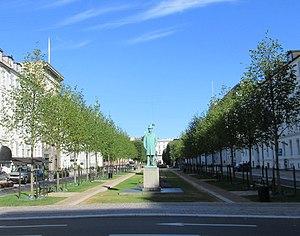 Sankt Annæ Plads - Sankt Annæ Plads with the Tietgen statue