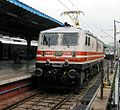 Sapt Kranti Express, Locomotive change from WDP 4D to Ghaziabad WAP 5.jpg