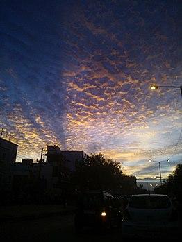 Scattered clouds @tolichowki.jpg