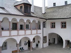 Schloss Ort - Inner courtyard