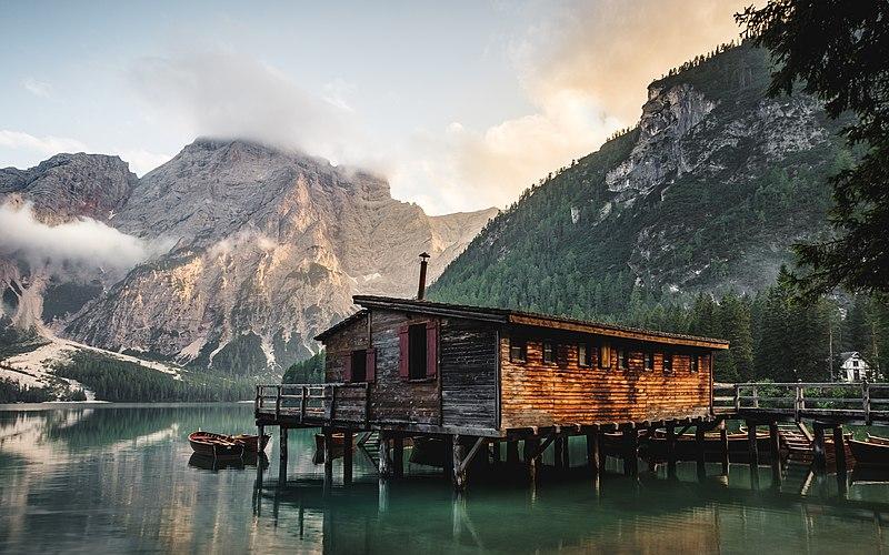 File:Seclusion in Lago di Braies (Unsplash).jpg