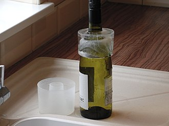 Wine accessory - Ice ring wine cooler