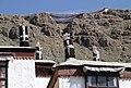 Shigatse-Tashilhunpo-24-Daecher-Berge-2014-gje.jpg