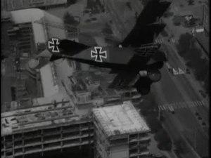 File:Show van antieke- en zelfbouwvliegtuigen-33411.ogv