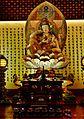 Singapore Buddha Tooth Relic Temple Innen Hintere Gebetshalle 4.jpg