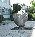 Skulptur georg bilgeri strasse.JPG