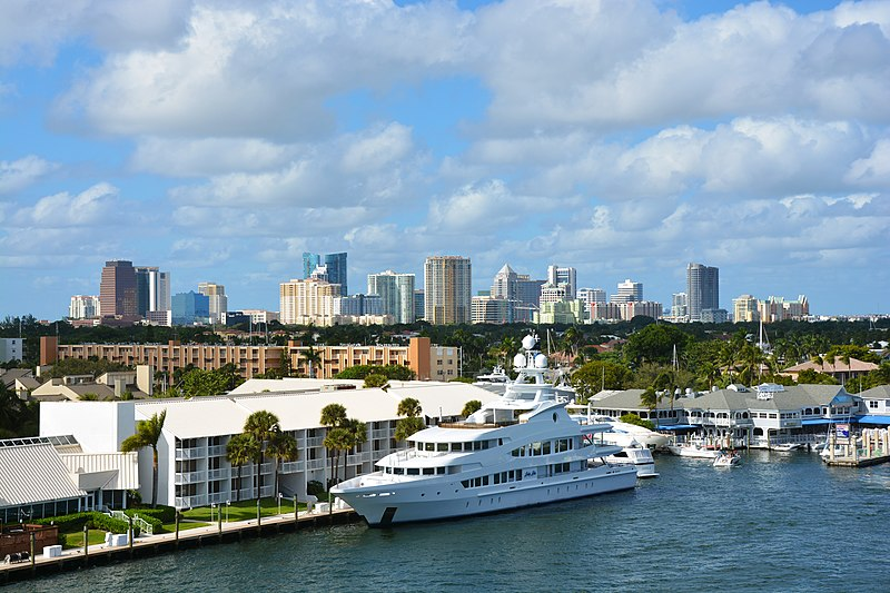 File:Skyline of Fort Lauderdale, Nov-15.jpg