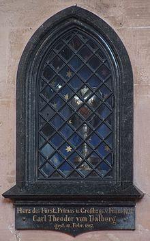 Herzurne des Karl Theodor von Dalberg in der Stiftskirche von Aschaffenburg (Quelle: Wikimedia)