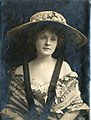 Stage actress Billie Burke (SAYRE 14573).jpg