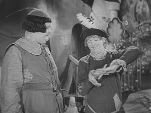Babes in Toyland (1934 film) - Ollie Dee and Stannie Dum