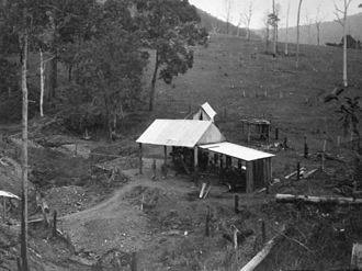 Conondale National Park - Gold mining at Kilcoy Creek, 1933