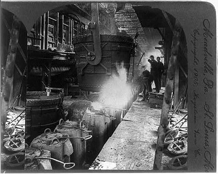 Steel workers in 1905, Meadville, Philadelphia Steel industry inside loc.jpg