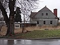 Stráž pod Ralskem - strom s obrázkem a dům čp. 88.JPG