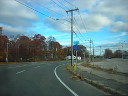 Suffolk County Route 101 in East Patchogue.jpg