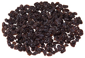 English: A pile of Sunmaid raisins.