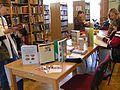 Szarvas, Városi könyvtár, Felnőtt olvasó.jpg