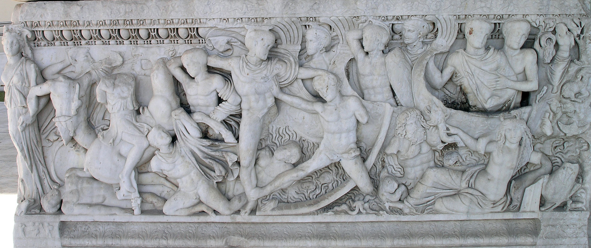 THAM-Battle at the ships sarcophagus.jpg