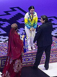 Tan Zhongyi receives her medal (29774252366).jpg