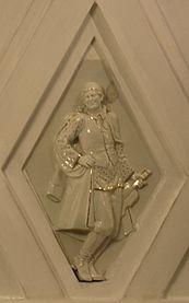 Teatralnaya porcelain sculpture 7.jpg