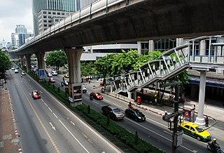 Phloen Chit Road