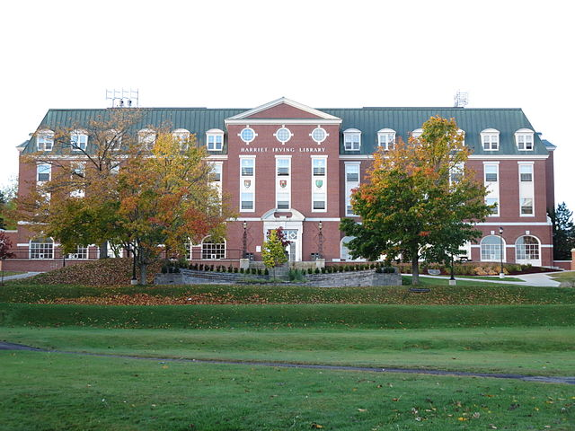 Fredericton Campus By HazelAB (Own work) [CC BY-SA 4.0 (https://creativecommons.org/licenses/by-sa/4.0)], via Wikimedia Commons