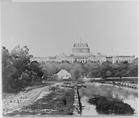 The U.S. Capitol under construction, 1860 - NARA - 530494.jpg